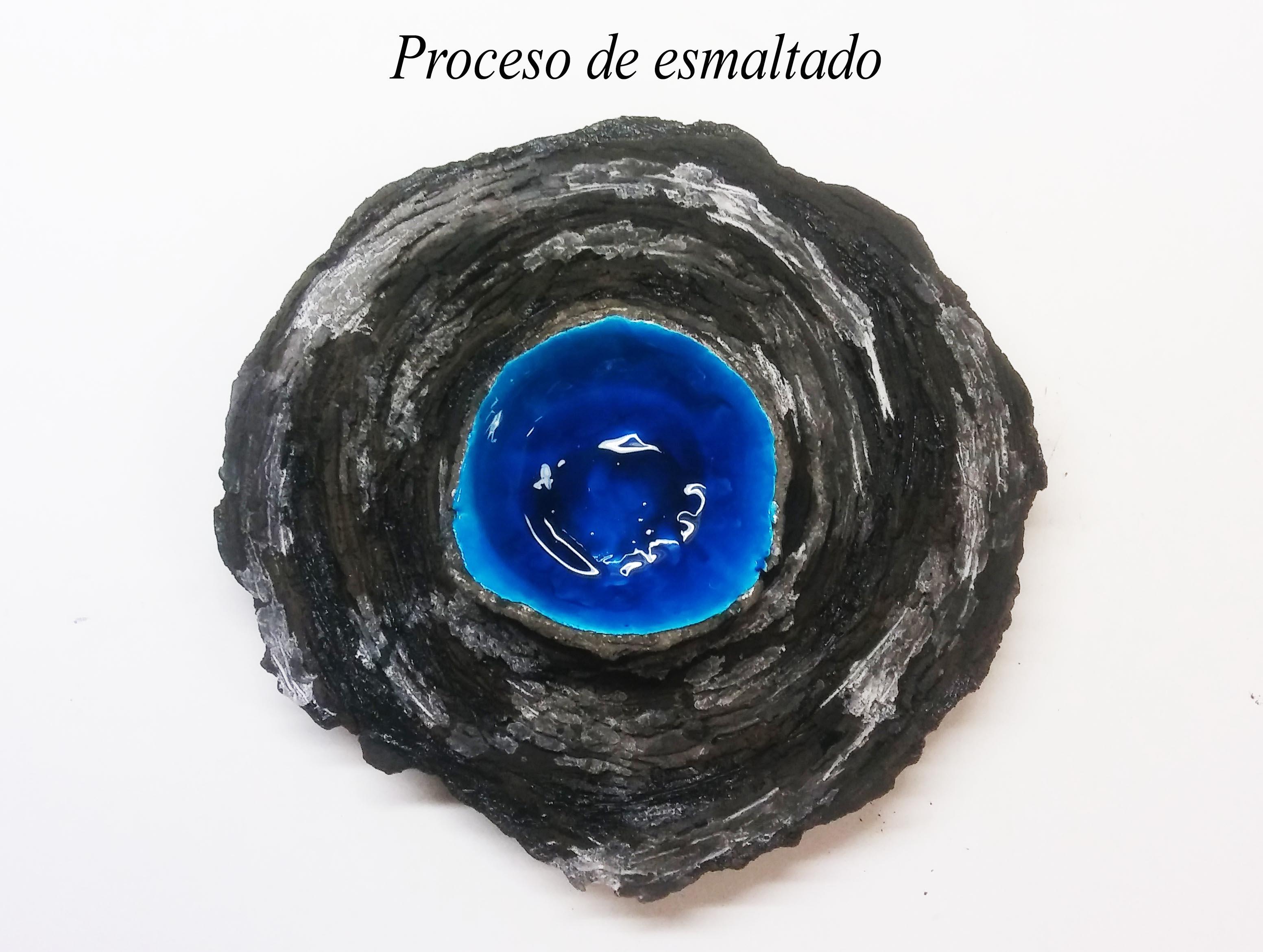 escultura en barro refractario negro