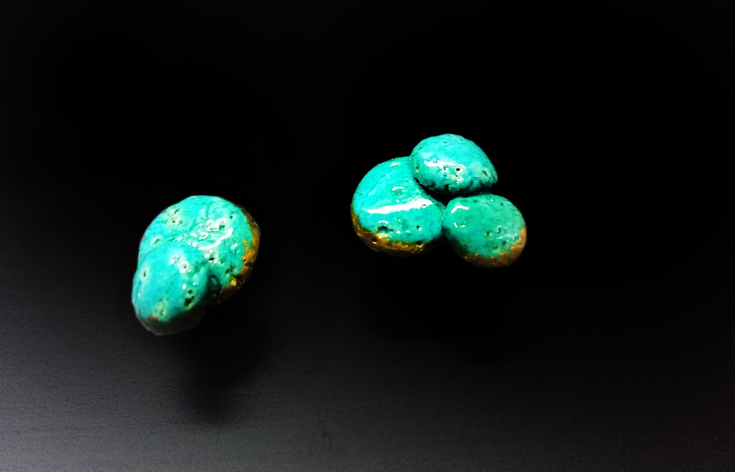 joyería en pasta egipcia