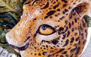 1cusro de cerámica detalle leopardo