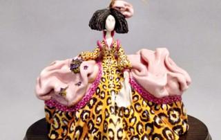 clases de cerámica menina de leopardo